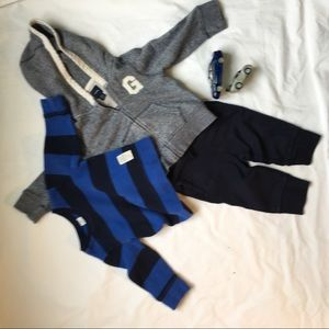 Boys comfy set of clothes